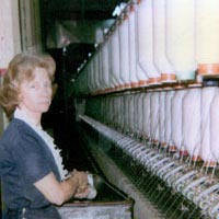 Mildred Parker doffs bobbins, 1983