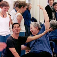 Choreographer Peter DiMuro teaches dance movement workshop