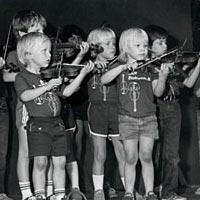 Young fiddlers on stage, 1984