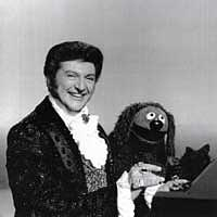 Liberace appears on The Muppet Show, October 1978