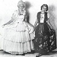 "American ""colonial dame"" and Mexican maiden together"