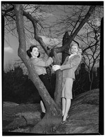 [Portrait of Doris Day and Kitty Kallen, Central Park, New York, N.Y., ca. Apr. 1947] [graphic]