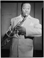 [Portrait of Louis Jordan, Paramount Theater(?), New York, N.Y., ca. July 1946] [graphic]