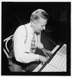 [Portrait of Stan Kenton, New York, N.Y.(?), ca. Jan. 1947] [graphic]
