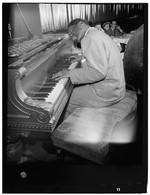 [Portrait of Erroll Garner, New York, N.Y., between 1946 and 1948] [graphic]
