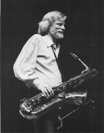 [Gerry Mulligan holding saxophone - 1979] [photograph]