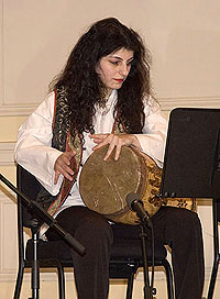 Behnaz Bibizadeh playing the tombak (drum).
