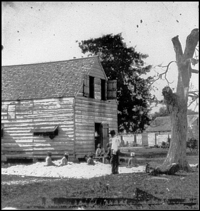 [Port Royal Island, S.C. African Americans preparing cotton for the gin on Smith's plantation]