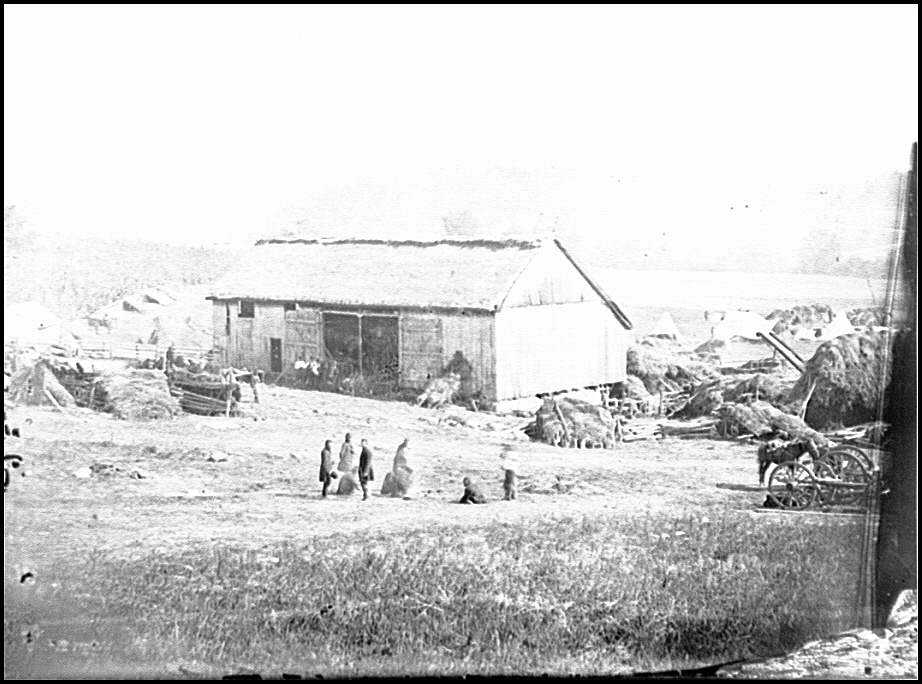 [Keedysville, Md., vicinity.  Smith's barn, used as a hospital after the battle of Antietam]