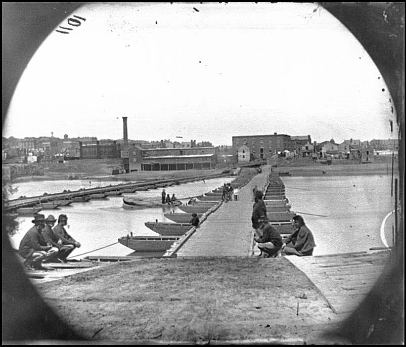 [Petersburg, Va. Pontoon bridges across the Appomattox River]