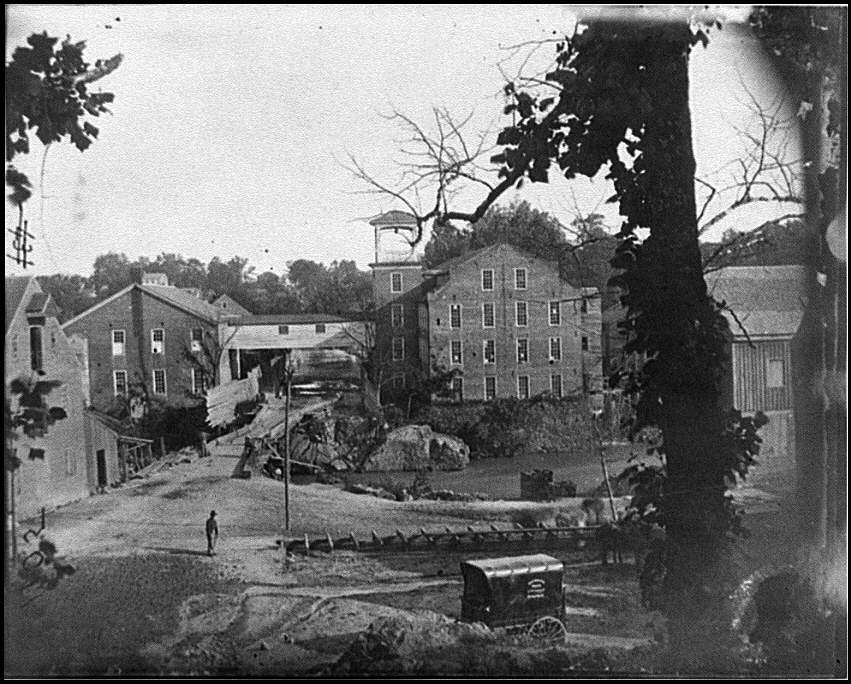 [Petersburg, Va. Mills; photographic wagon of Engineer Dept. in foreground]