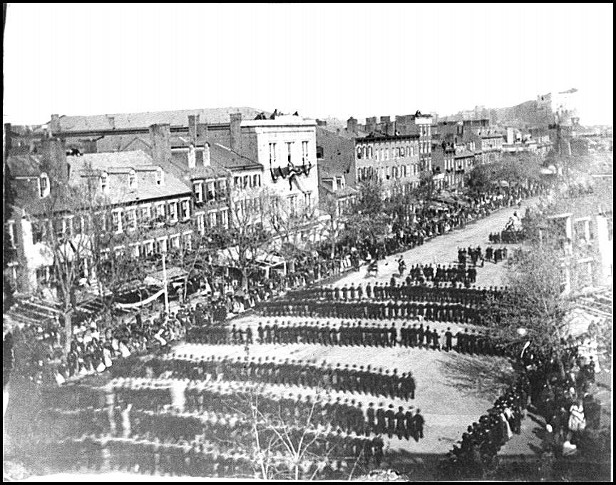 [Washington, D.C. President Lincoln's funeral procession on Pennsylvania Avenue]