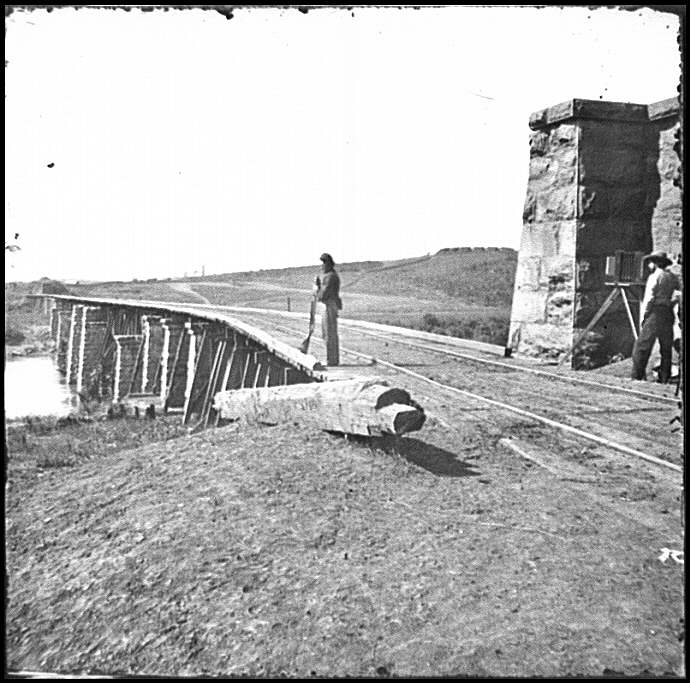 [Knoxville, Tenn., vicinity. Bridge at Strawberry Plains, 20 miles northeast of Knoxville; camera on tripod at right]