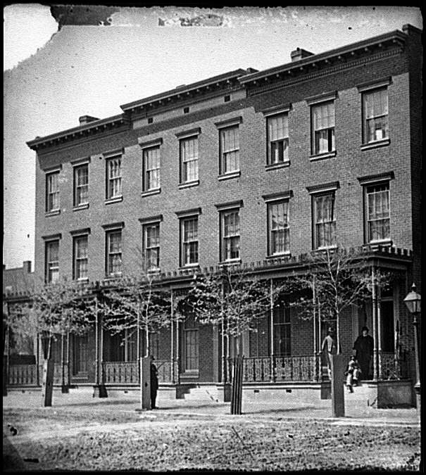 "[Richmond, Va. ""New York newspaper correspondents' row"" (between 4th and 5th Streets)]"