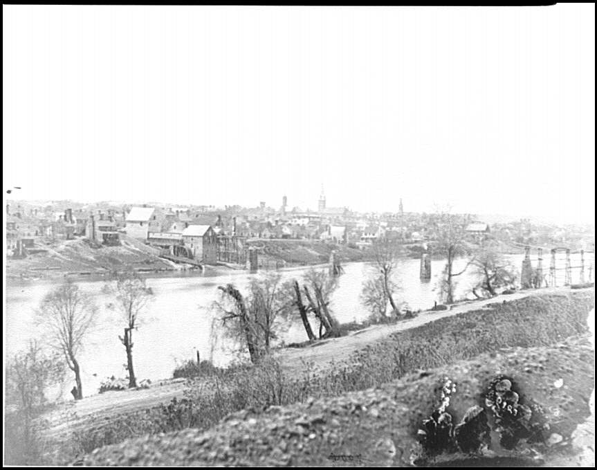 [Fredericksburg, Va. View of town from east bank of the Rappahannock]