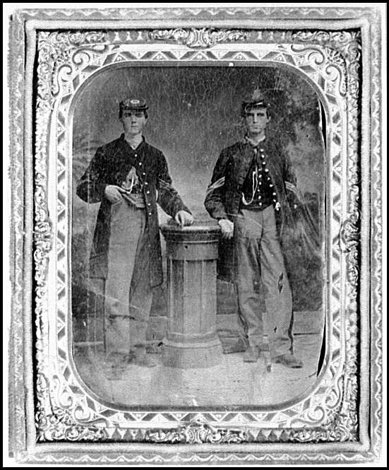 [Portrait of two Federal soldiers]