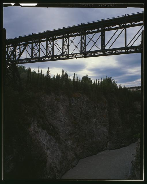 MIDSECTION OF BRIDGE, SHOWING EYEBAR CONNECTION - Kuskalana Bridge, Mile 146 of Copper River & Northwestern Road, Chitina, Valdez-Cordova Census Area, AK