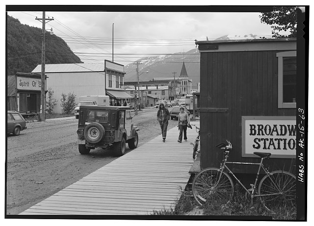 63.  BROADWAY AVENUE, LOOKING SOUTH, FROM SIXTH AVENUE - City of Skagway, Skagway, Skagway-Hoonah-Angoon Census Area, AK