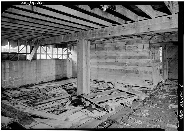 6.  INTERIOR, GROUND FLOOR - Naval Operating Base Dutch Harbor & Fort Mears, Warehouse, Unalaska, Aleutian Islands, AK