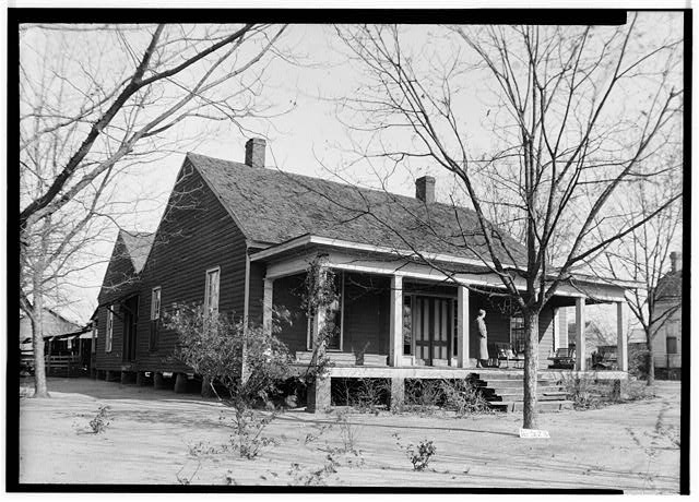 1.  Historic American Buildings Survey W. N. Manning, Photographer, December 11, 1934 FRONT AND SIDE VIEW, S.W. - Oates-Danzey House, West Washington & Trawick Streets, Abbeville, Henry County, AL