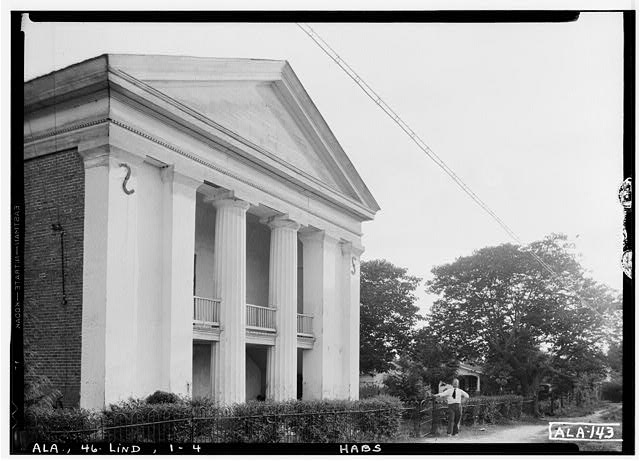 4.  Historic American Buildings Survey Alex Bush, Photographer, June 13, 1935 CLOSE UP OF FRONT, (NORTH) AND EAST SIDE OF BLDG. - Old Marengo County Courthouse, Cahaba Avenue & Mobile Street, Linden, Marengo County, AL