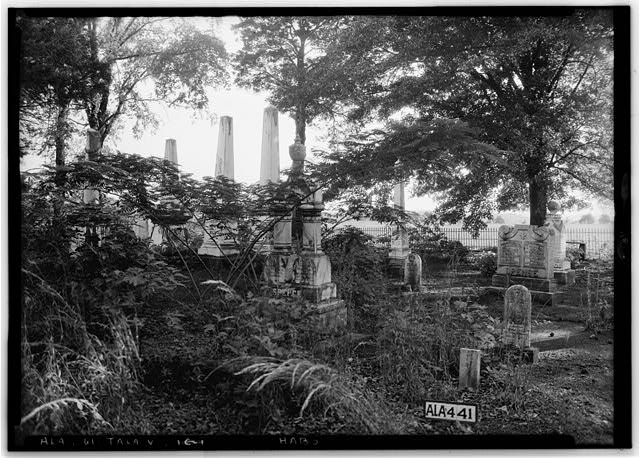 7.  Historic American Buildings Survey Alex Bush, Photographer, May 8, 1935 GRAVEYARD, FRONT AND WEST OF HOME - Thornhill, State Road 21, Talladega, Talladega County, AL