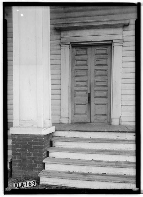 5.  Historic American Buildings Survey Alex Bush, Photographer, January 7, 1937 CLOSE-UP OF FRONT DOOR AND COLUMN - Baptist Church, Broad Street (State Road 28), Camden, Wilcox County, AL