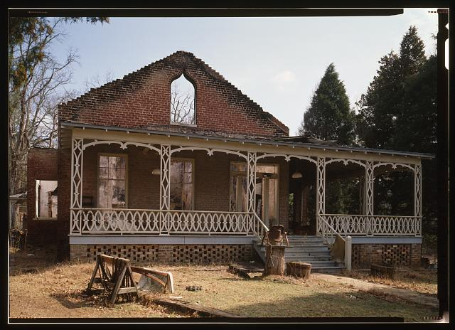 EXTERIOR VIEW, LOOKING SOUTHEAST - Shelby Iron Works, Iron Master's House, County Road 42, Shelby, Shelby County, AL