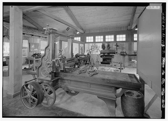 INTERIOR VIEW SHOWING ETTCHBURG LATHE. - Iron & Steel Museum of Alabama, 12632 Confederate Pkwy., Bucksville, Tuscaloosa County, AL