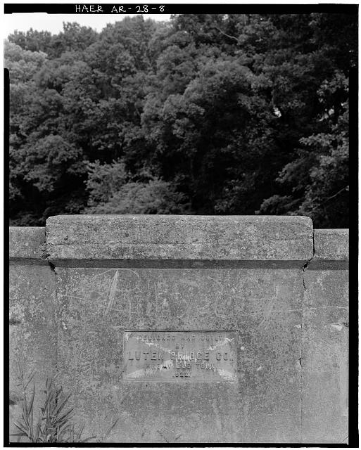 8.  DETAIL VIEW OF BUILDER'S PLATE ON NORTHWEST SIDE OF BRIDGE AT CENTER OF SPAN OVER CENTER PIER WHICH READS 'DESIGNED AND BUILT BY LUTEN BRIDGE CO., KNOXVILLE, TENN., 1922' - Illinois River Bridge, Spanning Illinois River at Benton County Road 3, Siloam Springs, Benton County, AR