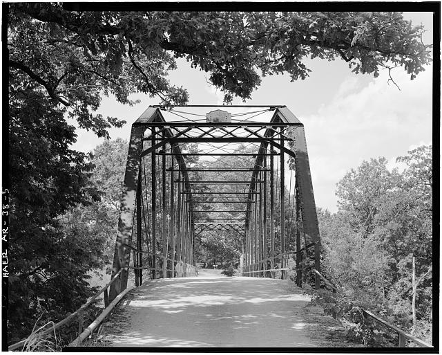 5.  LOOKING SOUTHWEST, GENERAL VIEW WITH 4' RANGE POLE NEAR SOUTHEAST VERTICAL POST - Wyman Bridge, Spanning West fork of White River at County Road 48, Fayetteville, Washington County, AR
