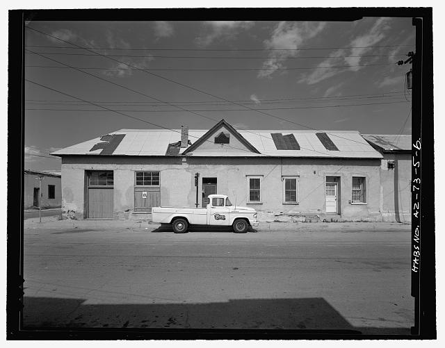 2.  VIEW SHOWING WEST ELEVATION, EAST SIDE OF MEYER AVENUE. [Shows 499-501, Munoz House (AZ-73-37) on far right.] - Antonio Bustamente House, 485-489 South Meyer Avenue & 186 West Kennedy Street, Tucson, Pima County, AZ