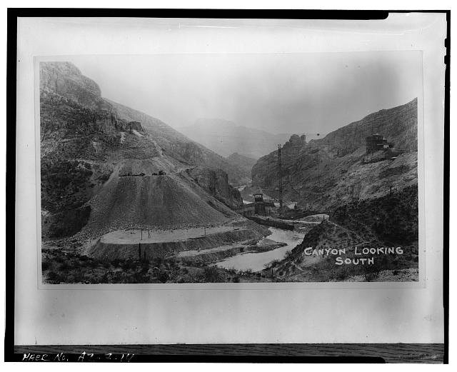 14.  VIEW OF DAM SITE, LOOKING SOUTH (DOWNSTREAM). MIXING PLANT IS VISIBLE AT RIGHT, COFFER DAM IS UPSTREAM OF PLACING TOWER. EAST DOME IS VISIBLE AT LEFT OF TOWER, c. 1927 - Coolidge Dam, Gila River, Peridot, Gila County, AZ