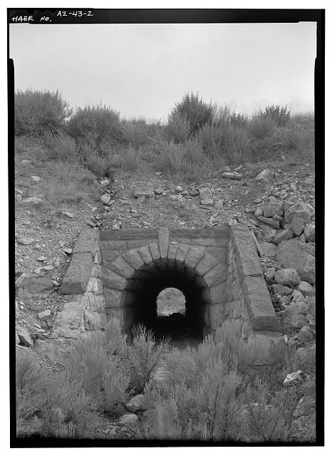 2.  UPPER WATER TUNNEL IN HORSESHOE CURVE ON APPROACH TO JACOB SPRINGS, FACING SSW. - North Entrance Road, Between Little Park & Bright Angel Point, Grand Canyon, Coconino County, AZ