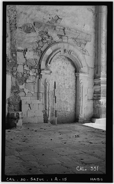 15.  Historic American Buildings Survey Photographed by Henry F. Withey June 1936 STONE CHURCH, SANCTUARY, EAST WALL (LOOKING SOUTHEAST) - Mission San Juan Capistrano, Stone Church, Olive Street, between U.S. Highway 101 & Main Street, San Juan Capistrano, Orange County, CA