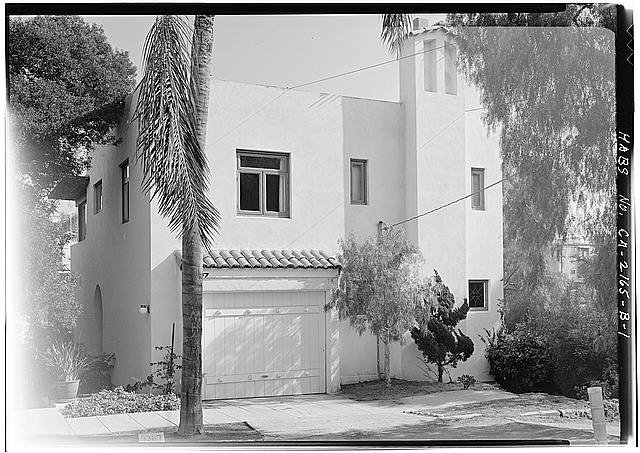 1.  WEST SIDE - Albatross Cottages, Lee Cottage No. 1, 3367 Albatross Street, San Diego, San Diego County, CA