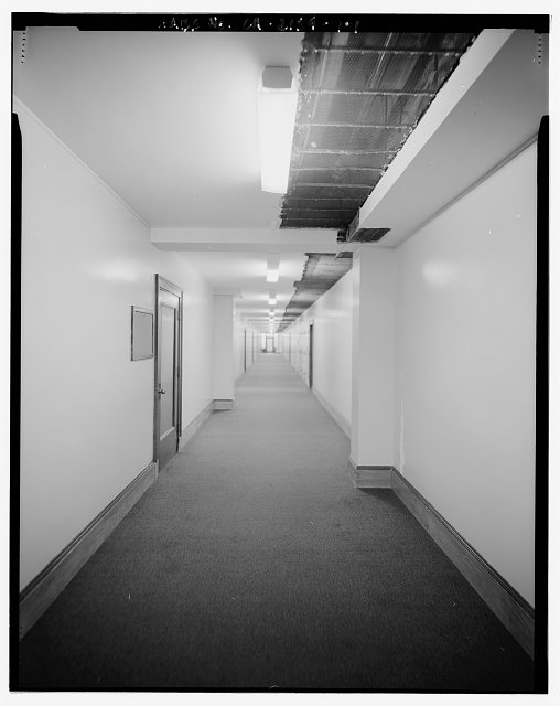 Monica Griesbach, Photographer August 1997. VIEW OF LOS ANGELES CITY HALL SECOND FLOOR WEST CORRIDOR, FACING NORTH. - Los Angeles City Hall, 200 North Spring Street, Los Angeles, Los Angeles County, CA