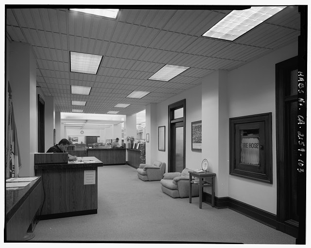 Monica Griesbach, Photographer August 1997. VIEW OF LOS ANGELES CITY HALL SECOND FLOOR CITY TREASURER OFFICE LOBBY, FACING NORTH. - Los Angeles City Hall, 200 North Spring Street, Los Angeles, Los Angeles County, CA