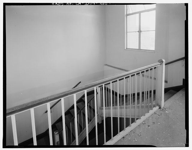 Bruce D. Judd, FAIA, Photographer August 1997. VIEW OF LOS ANGELES CITY HALL TWELFTH FLOOR NORTHWEST STAIRWELL, FACING NORTHWEST - Los Angeles City Hall, 200 North Spring Street, Los Angeles, Los Angeles County, CA