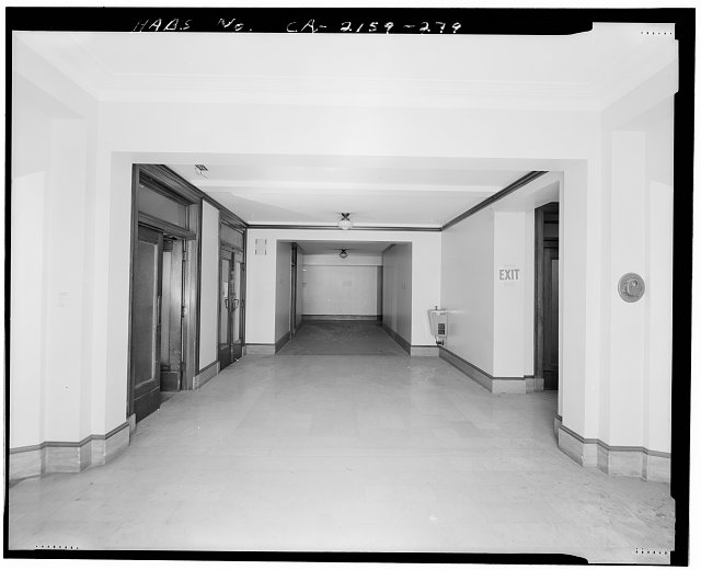 Monica Griesbach, Photographer August 1997. VIEW OF LOS ANGELES CITY HALL FOURTEENTH FLOOR ELEVATOR LOBBY, FACING WEST - Los Angeles City Hall, 200 North Spring Street, Los Angeles, Los Angeles County, CA