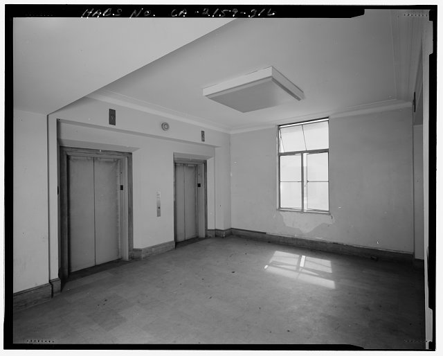 Bruce D. Judd, FAIA, Photographer August 1997. VIEW OF LOS ANGELES CITY HALL TWENTY-SECOND FLOOR ELEVATOR LOBBY, FACING NORTHEAST - Los Angeles City Hall, 200 North Spring Street, Los Angeles, Los Angeles County, CA