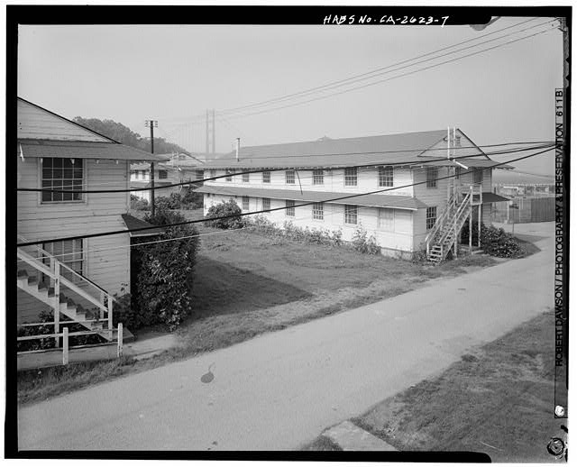 Layout of barracks, Building No. 909 (right) and Building No. 910 (left), looking 282 degrees west - Presidio of San Francisco, Enlisted Men's Barracks Type, West end of Crissy Field, between Pearce & Maudlin Streets, San Francisco, San Francisco County, CA
