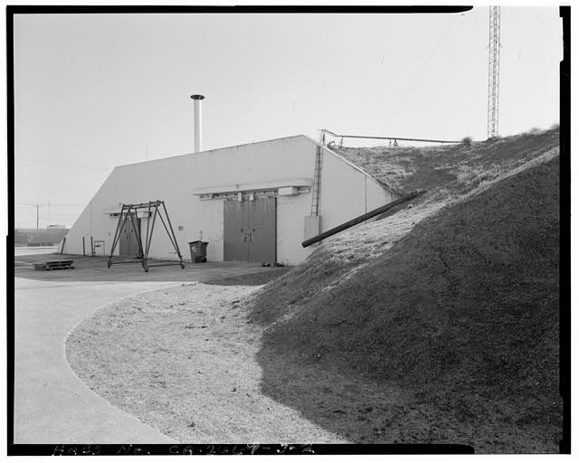 Building 932, oblique view to southeast, 90 mm lens. - Travis Air Force Base, Nuclear Weapons Assembly Plant 5, W Street, Armed Forces Special Weapons Project Q Area, Fairfield, Solano County, CA