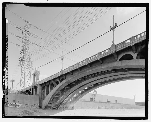 6.  DETAIL VIEW OF NORTHSIDE OFF CESAR CHAVEZ BRIDGE CROSSING THE LOS ANGELES RIVER. LOOKING SOUTHEAST. - Macy Street Viaduct, Los Angeles, Los Angeles County, CA