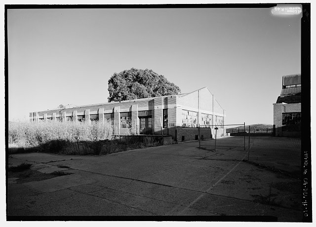 10.  PERSPECTIVE VIEW TO SOUTHEAST SHOWING OIL HOUSE. - Rosie the Riveter National Historical Park, Ford Assembly Plant, 1400 Harbour Way South, Richmond, Contra Costa County, CA
