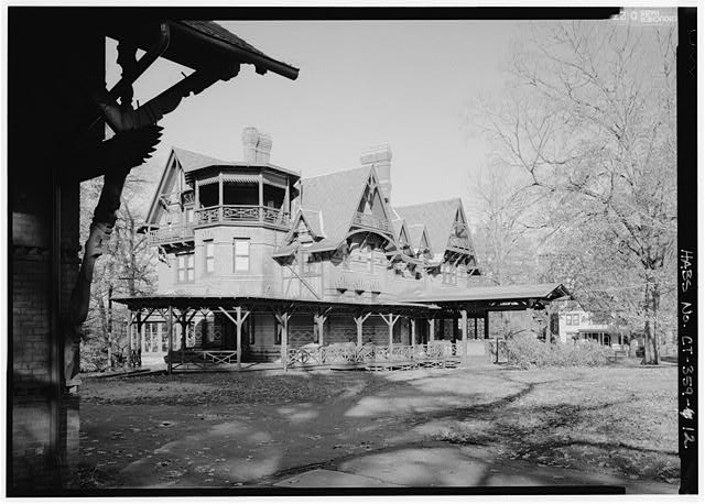 12.  EXTERIOR, VIEW OF SOUTHEAST CORNER WITH EDGE OF CARRIAGE HOUSE ON LEFT - Mark Twain House, 351 Farmington Avenue (corrected from original address of 531 Farmington Avenue), Hartford, Hartford County, CT