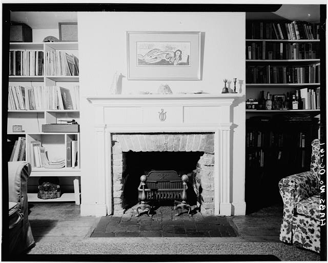 4.  Historic American Buildings Survey George Eisenman, Photographer Summer 1967 FIRST FLOOR, FRONT ROOM, FIREPLACE SOUTH WALL - Adams-Mason House, 1072 Thomas Jefferson Street Northwest, Washington, District of Columbia, DC