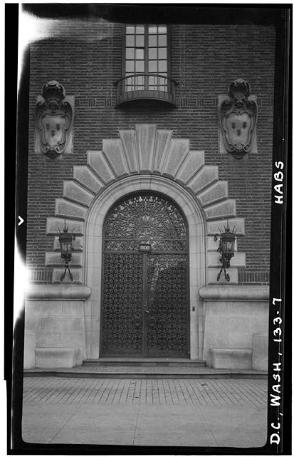 7.  Historic American Buildings Survey Frederick D. Nichols, Photographer December 1938 EXTERIOR DETAIL OF MAIN ENTRANCE - John R. McLean House, 1500 I Street Northwest, Washington, District of Columbia, DC