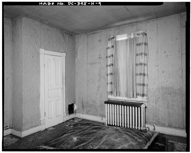 9.  INTERIOR VIEW EAST, BEDROOM IN EAST CORNER - Howard Road Historic District, Samuel H. Lucas House No. 1, 1023 Howard Road, Washington, District of Columbia, DC