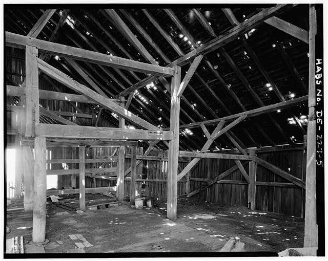 5.  INTERIOR VIEW, DETAIL OF FRAMING IN EAST END LOOKING SOUTHEAST - Rothwell Farm, Barn, Route 458 near Route 42, Middletown, New Castle County, DE